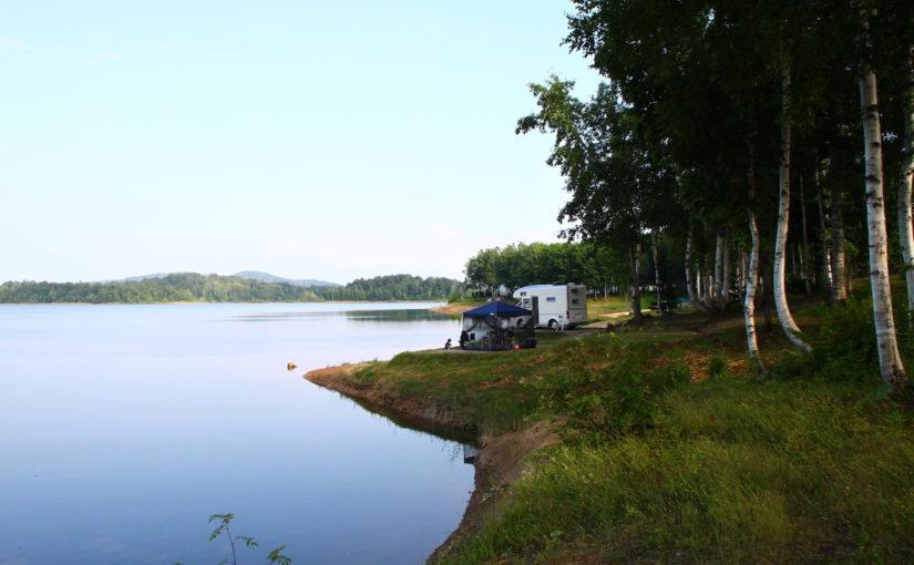 【朱鞠内湖畔キャンプ場】道内屈指の大自然を味わえる ワイルドなフィールド