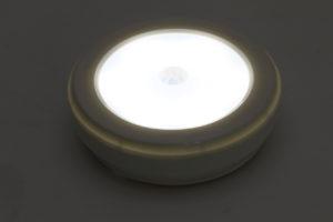 キャンピングカーパーツセンター ♯211129 LED人感センサーライト 電池式