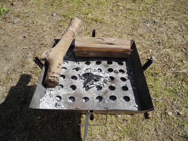 【第214回】焚火、ストーブ、ファイヤーピットどれも断熱の灰が大事